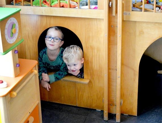 Op Lutje Zuuderham kunnen kinderen kunnen binnen en buiten spelen